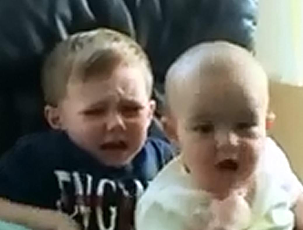 اجمل ضحكات الاطفال